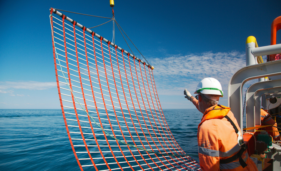 IMPROVING HEALTH AND SAFETY IN THE OFFSHORE OIL AND GAS SECTOR